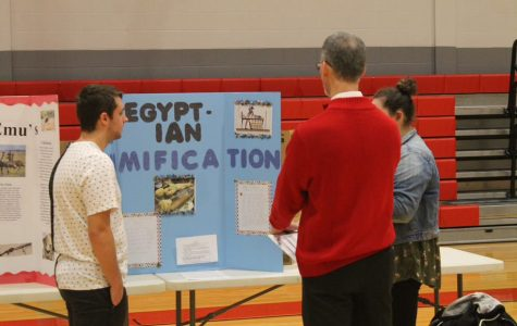 SMHS Students Showcase knowledge at Social Studies Fair
