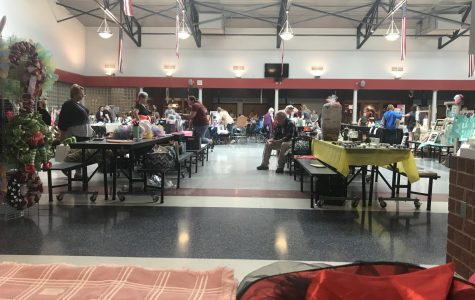 Thespians Take Over Cafeteria For Fundraiser