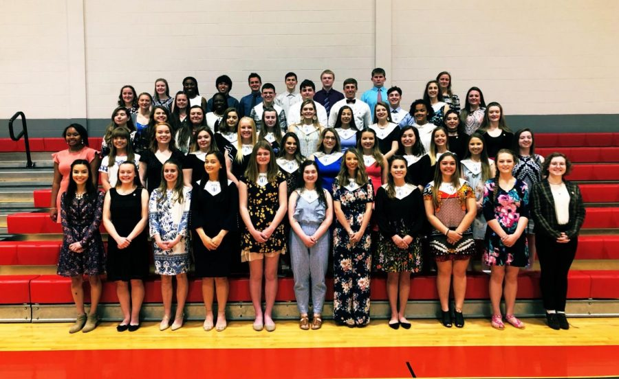 The+2019+members+of+National+Honors+Society.